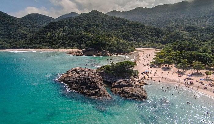 799px-Vista_aérea_da_Baía_da_Ilha_Grande