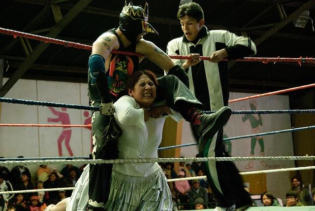 "Que voir en Bolivie ? Catch de cholitas © <a href=""https://www.flickr.com/photos/funkz"" target=""_blank"">funkz</a>"