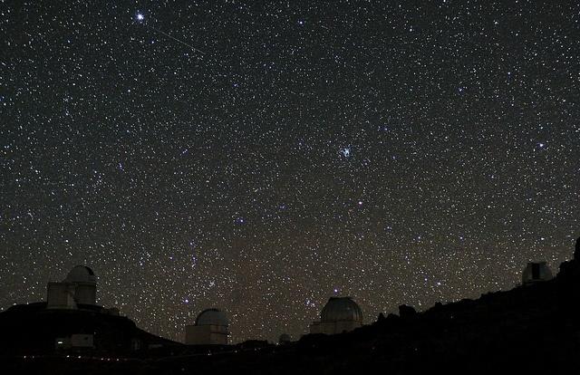 Ciel étoilà à La Silla Crédit photo : European Southern Observatory https://www.flickr.com/photos/esoastronomy/