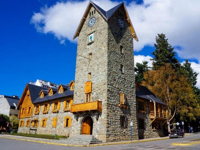 Place centrale, architecture, Bariloche, Argentine