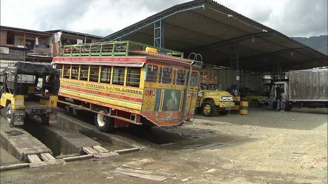 bus Chivas Colombie copyright Stefan Rights