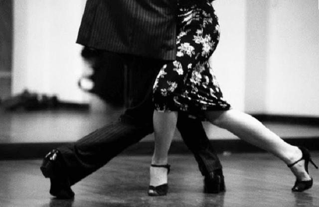 jambes danseurs tango
