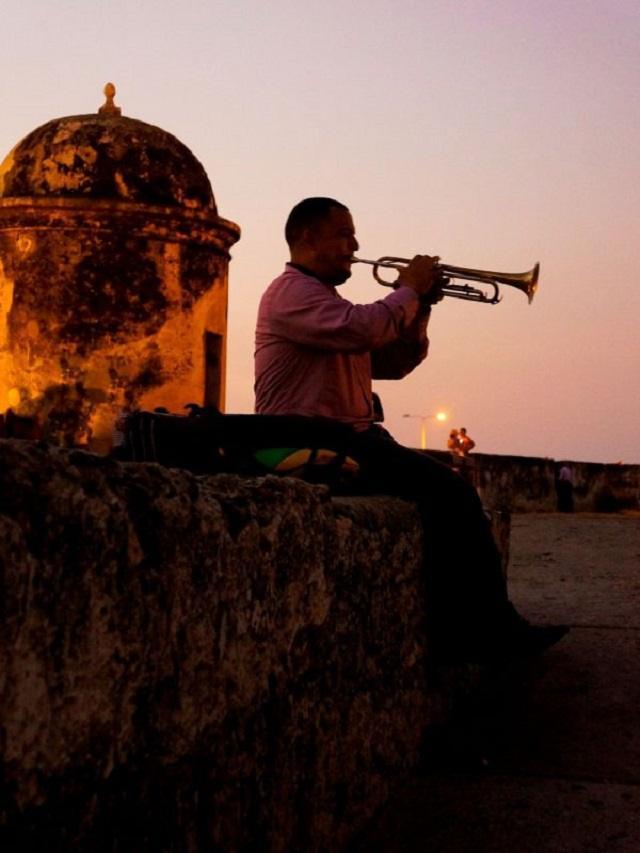 Musicien sur Castillo de San Felipe Carthagène , Colombie
