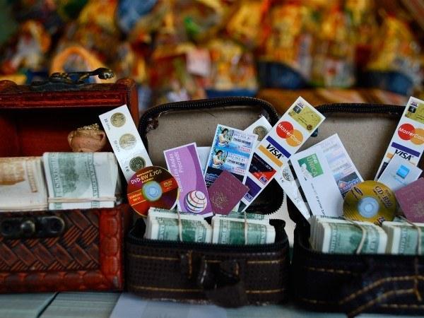 valise miniature faux billets