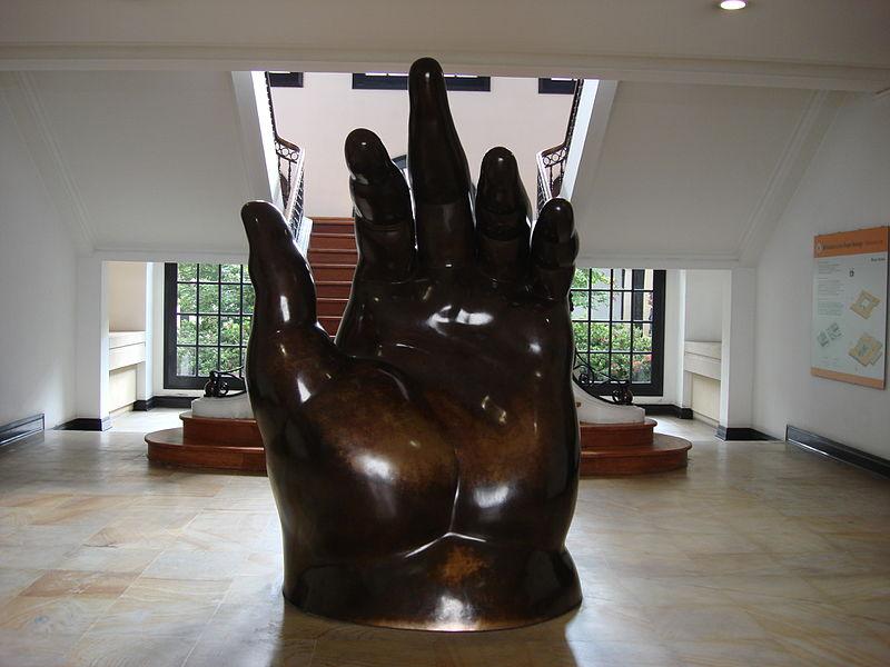 La main, de Fernando Botero - Jorge Lascar: Wikicommons