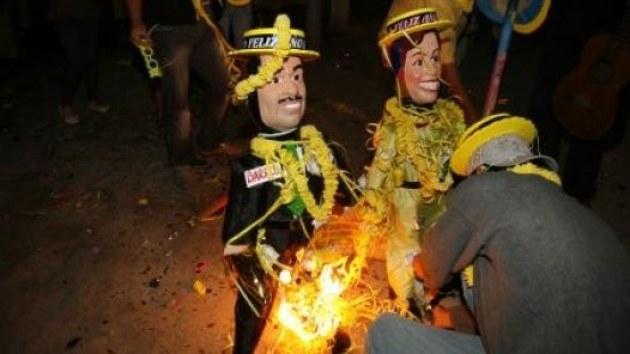brûler des poupées